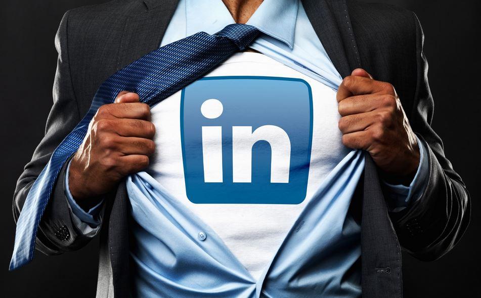 LinkedIn vérifiera la véracité de vos CV