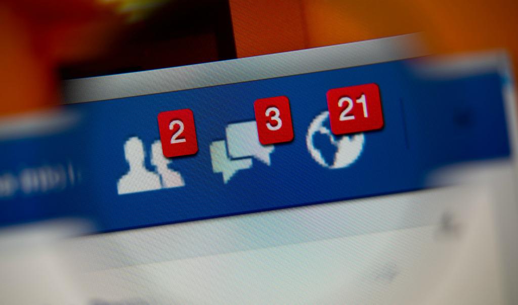 Des commentaires positifs sur Facebook rendraient aussi heureux que la naissance d'un enfant