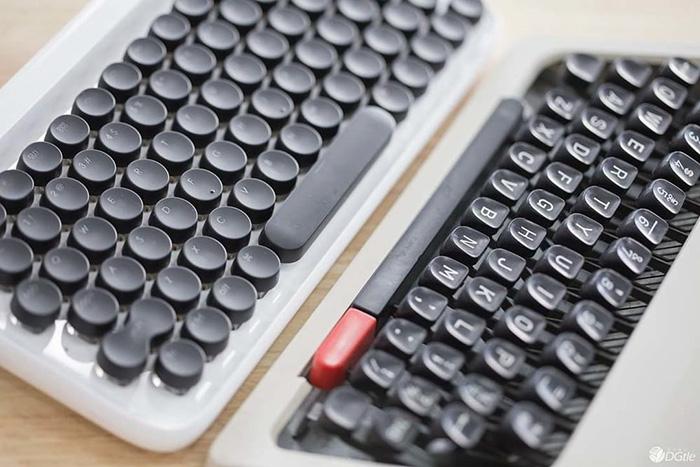 Clavier d'ordinateur façon machine à écrire (1)